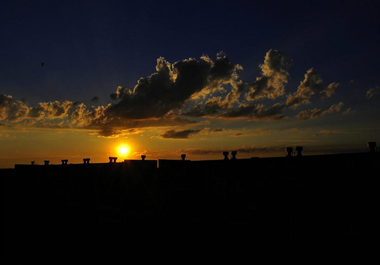 Przepisy prawne a dostęp do słońca na rzeszowskich osiedlach